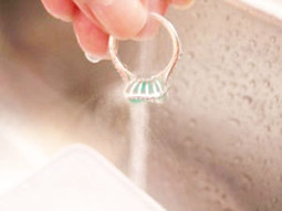 Rinse your emerald ring after clening process at home