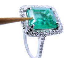 How to re-oil a dry emerald jewelry at home