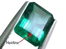 Hairline fractures in emeralds