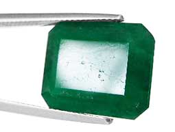 Synthetic filled pit and fractures in emeralds