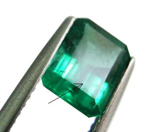 synthetic fillied fracture in emeralds